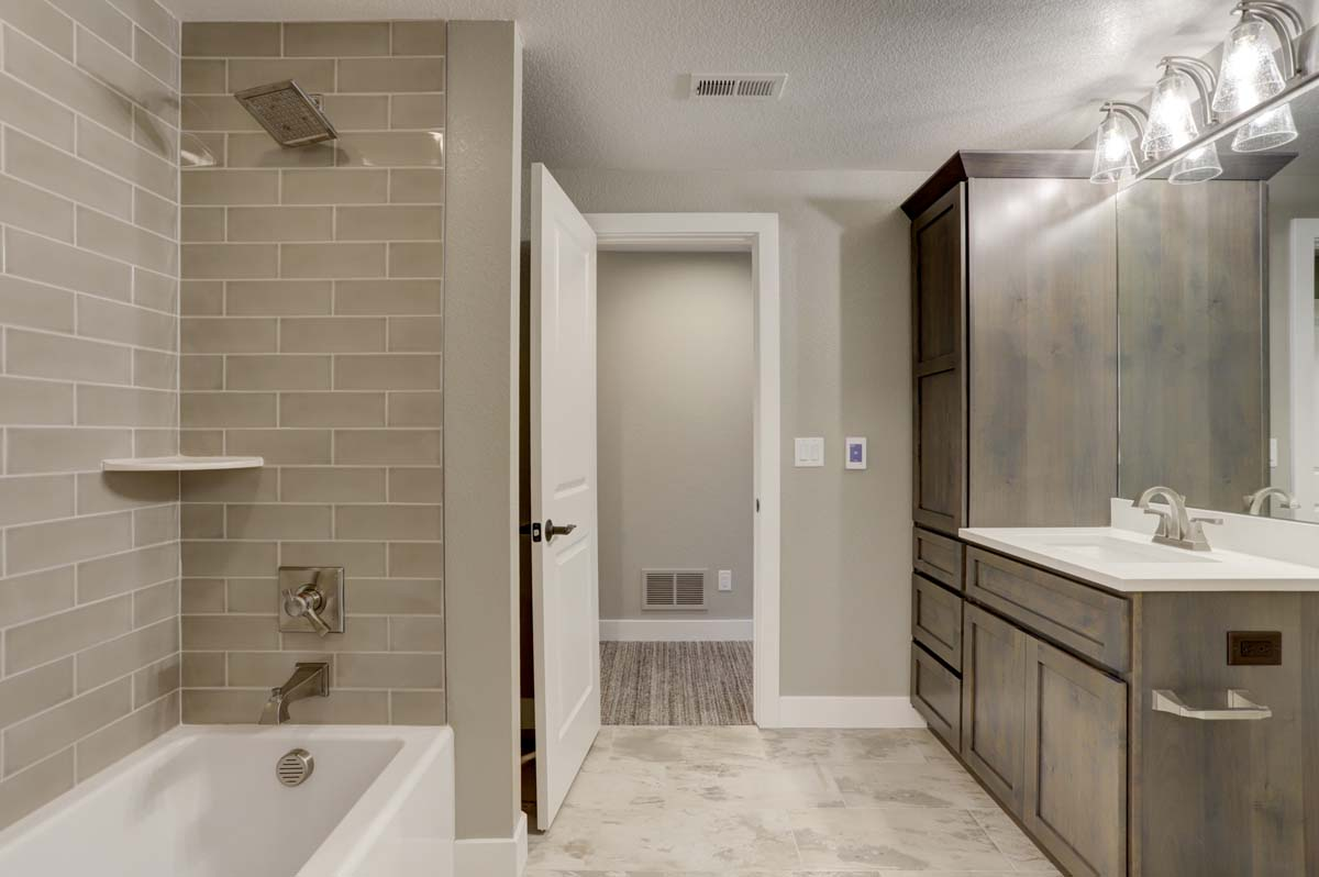 10a Guest Bath