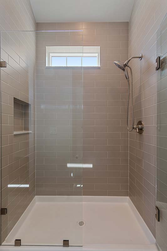 Bedroom 2's Private Shower
